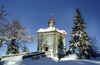 Czech Republic - Broumov area (Eastern Bohemia - Východoceský - Hradecký kraj): chapel in the snow / Kaple Hvìzda - photo by J.Kaman