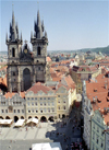 Czech Republic - Prague: view from the Old Town Hall - Old Town square and and the Church of Our Lady Before Tyn - chram Matky bozi pred Tynem - Staromestske namesti (photo by M.Bergsma)