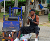 Higüey, Dominican Republic: shoeshine on the main square - photo by M.Torres