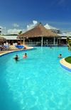 R�o San Juan, Mar�a Trinidad S�nchez province, Dominican republic: pool bar at the Bahia Principe resort - photo by M.Torres