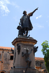 Santo Domingo, Dominican Republic: Columbus' statue, a gift from France - sculptor Ernesto Gilbert - Parque Colón - Colonial City - photo by M.Torres
