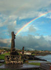 Moai (Ilha da Pascoa, Isla de Pascua) : rainbow behind the statues - UNESCO world heritage site - photo by Roe Eime