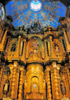 Quito, Ecuador: iglesia de La Compa��a de Jesus - Jesuits' Church - the sumptuously gilded high altar is built around the statue of the Quite�a Saint Mariana de Jes�s, and contains her remains - she is considered the protector of the capital - photo by M.Torres