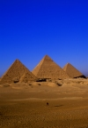 Egypt - Giza: Pyramids of Giza - Unesco world heritage site (photo by J.Wreford)