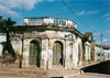 El Salvador - Ilobasco: colonial building - street corner - ruins - photo by G.Frysinger