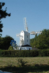 England (UK) - Saxtead (Suffolk): windmill - post mill - photo by F.Hoskin
