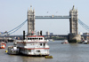 London: Dixie Queen - Mississippi on the Thames - Tower Bridge - photo by K.White