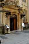 England - Bath (Somerset county - Avon): Entrance to the Pump Room at the Roman Baths - photo by C. McEachern