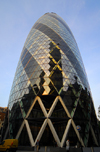 London: the Gherkin, 30 St Mary Axe - Swiss Re Tower - designed by architects Foster and Shuttleworth, Arup engineers - constructed by Skanska - City of London - photo by M.Torres