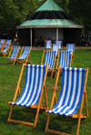 London: deck chairs near Speakers Corner - Hyde Park - photo by M.Torres