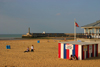 Margate, Kent, South East England: breakwater and beach - photo by I.Middleton