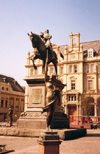 Leeds / LBA, West Yorkshire), England: liberty under a medieval knight - The Black Prince - City Square - photo by M.Torres