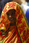 Eritrea - Keren, Anseba region: Eritrean girl with traditional clothes - photo by E.Petitalot