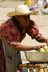 Eritrea - Keren, Anseba region: an old woman selling fruit at the market - photo by E.Petitalot