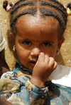 Eritrea - Mendefera, Southern region: nice young girl - photo by E.Petitalot
