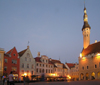 Estonia - Tallinn: City hall square - Raekoja Plats - Hanseatic city of Tallin - photo by J.Kaman