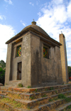 Axum - Mehakelegnaw Zone, Tigray Region: St Mary of Zion complex - small shrine - photo by M.Torres