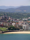 Basque Country / Pais Vasco / Euskadi - Donostia / San Sebastian: town view and La Concha Beach - photo by R.Wallace