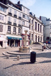 Basque Country / Pais Vasco / Euskadi - Bayonne: fountain (photo by Miguel Torres)