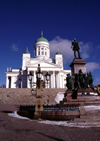 Finland - Helsinki / Helsingfors stad: Lutheran Cathedral, neoclassical style - designed by Carl Ludvig Engel - Senate square - Statue of Tsar Alexander II - Helsingin tuomiokirkko - photo by F.Rigaud