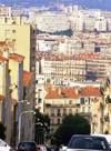 Marseilles, Bouches-du-Rhône, PACA: steep street - cityscape - photo by K.Gapys
