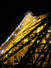 France - Paris: Eiffel tower - nocturnal - Parisian attractions - photo by D.Hicks