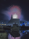 France - Le Havre (Seine-Maritime, Haute-Normandie): fireworks - harbour - photo by A.Bartel
