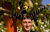 France - Nice (Alpes Maritimes): carnival parade - exotic hat (photo by F.Rigaud)