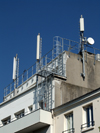 Le Havre, Seine-Maritime, Haute-Normandie, France: mobile phone network antennas on a building terrace - Communication Aerials, Flats - Normandy - photo by A.Bartel