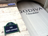France - Paris: Rua Saint-Honoré - Godiva chocolatier - photo by K.White