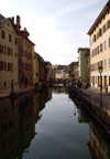 France / Frankreich -  Annecy (Haute Savoie): Thiou canal (photo by K.White)