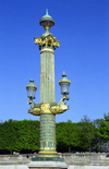 France - Paris: lamp-post outside Jardin des Tuileries - Colonne rostrale - rive droite - Ier - photo by D.Jackson