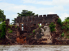 James Island / Kunta Kinteh island, The Gambia: Fort James - wall with crenullation, seen from the River Gambia - a UNESCO world heritage site - photo by M.Torres