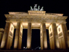 Germany / Deutschland - Berlin: Brandenburg gate triumphal arch / Brandenburger Tor - built by Karl Gotthard Langhans - nocturnal - photo by M.Bergsma