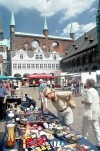 Lübeck (Schleswig-Holstein): street market - main square- photo by J.Kaman