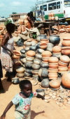 Ghana / Gana - Kumasi: pottery (photo by Gallen Frysinger)