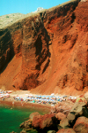 Greek islands - Santorini / Thira: the red beach - under the cliffs - photo by D.Smith