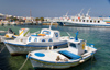 Greece - Paros: scenic view of AntiParos Town harbour - photo by D.Smith