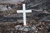 Greenland - Ilulissat / Jakobshavn - cemetery - lonely grave with simple white woodcross of an unknown person - photo by W.Allgower