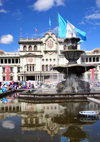 Ciudad de Guatemala / Guatemala city: fountain on Parque Central and the National Palace of Culture - corazón del casco histórico - Palacio Nacional de la Cultura - photo by M.Torres