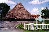 Guyana - Georgetown: traditional thatched communal building - Umana Yana - built by Wai Wai indians (photo by B.Cloutier)