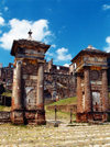 Haiti - Cap-Haïtien: entrance to Sans Souci Palace - Unesco world heritage site (photo by G.Frysinger)