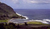 Hawaii - Molokai'i: small bay on the North coast - photo by G.Frysinger