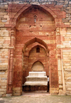 India - Rajasthan: Islamic tomb - photo by M.Torres