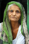 Bundi, Rajasthan, India: elderly woman - photo by M.Wright
