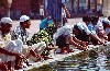 India - Delhi: Friday mosque - the faithful at the pond / Jama Masjid (photo by Francisca Rigaud)