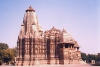 India - Khajuraho temples (Madhya Pradesh): Devi Jagadamba Temple - dedicated to Parvati (photo by B.Cloutier)