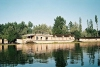 India - Shrinagar/ Srinagar (Jammu and Kashmir): houseboats on lake Dal (photo by J.Kaman)