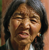 India - Dharamsala (Himachal Pradesh): old Tibetan woman living in exile - photo by W.Allgöwer