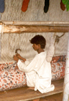 India - Rajasthan: carpet weaving - photo by M.Torres